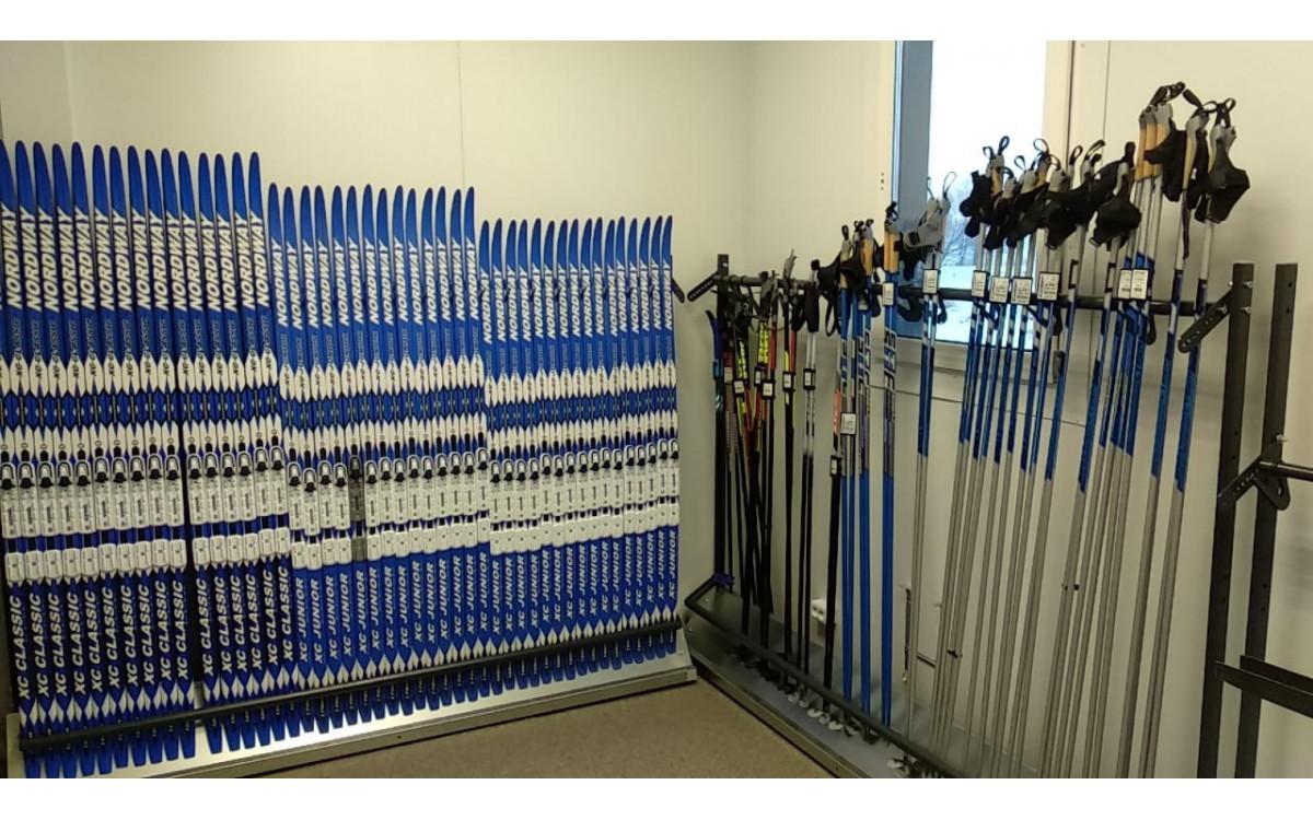 Стойки серии Стандарт для хранения беговых лыж.