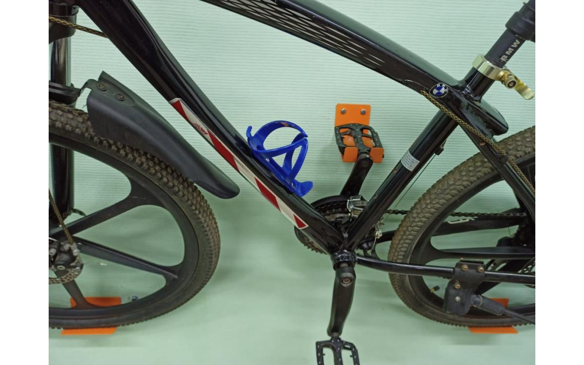 Настенный кронштейн для велосипеда.